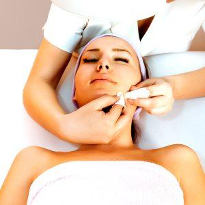 Drenaje de acné Ariadna, Estética Integral y Bio SPA