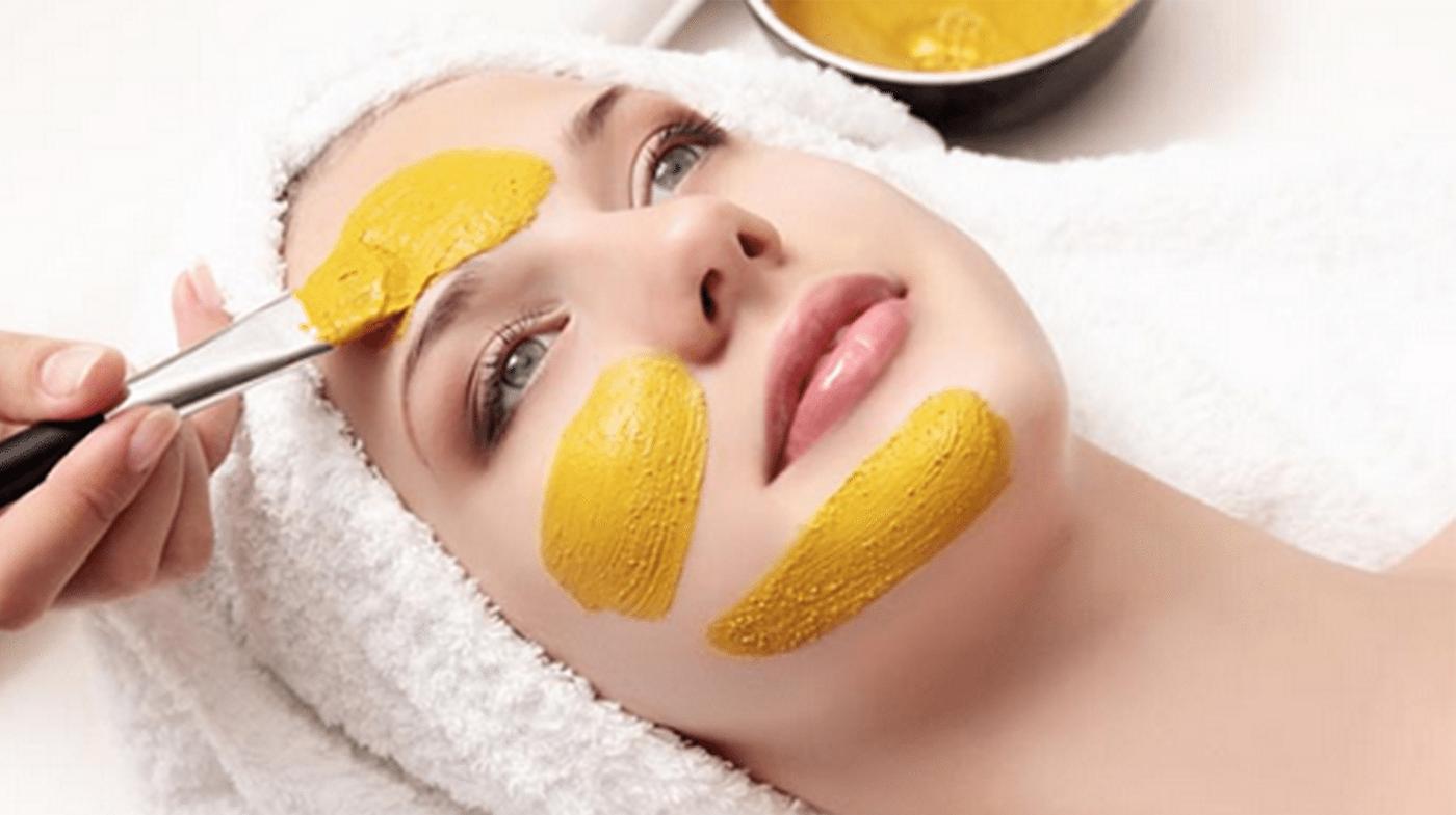 Limpieza facial con vitamina C